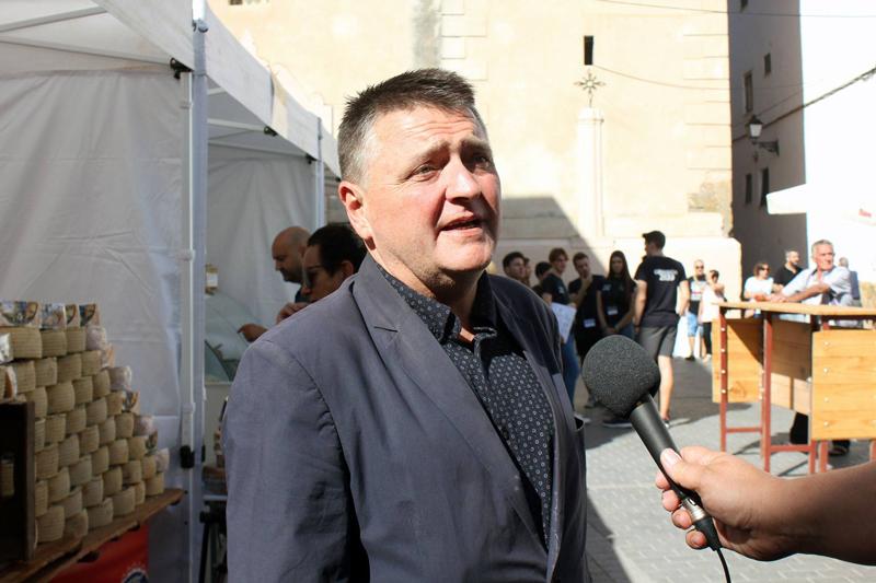 Miguel Sandalinas, alcalde de Montanejos, presenta la IV edición de la Feria del Queso Artesano de Montanejos